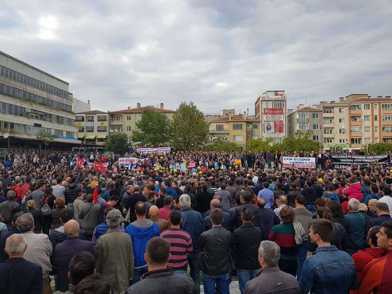 Lüleburgaz ayakta: Cam işçileri ve halk sokağa döküldü