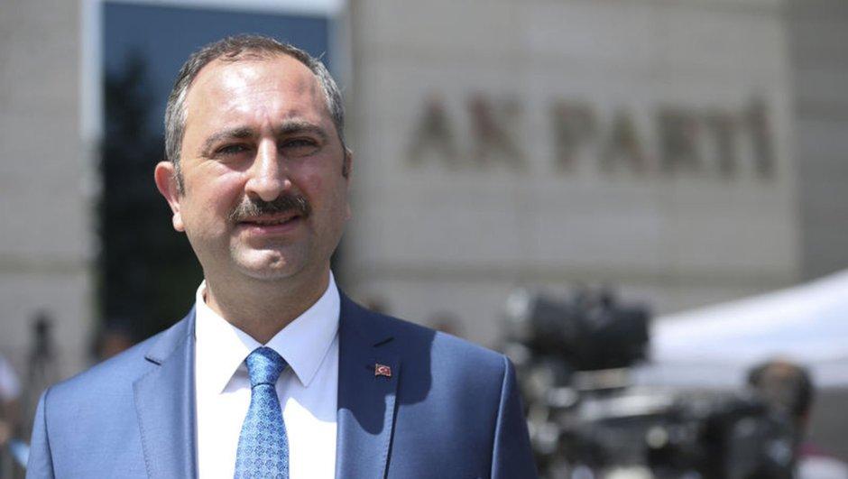 Adalet Bakanı Gül güldürdü: Türk yargısı bağımsız karar verir, gizli görüşmeyi bilmiyorum