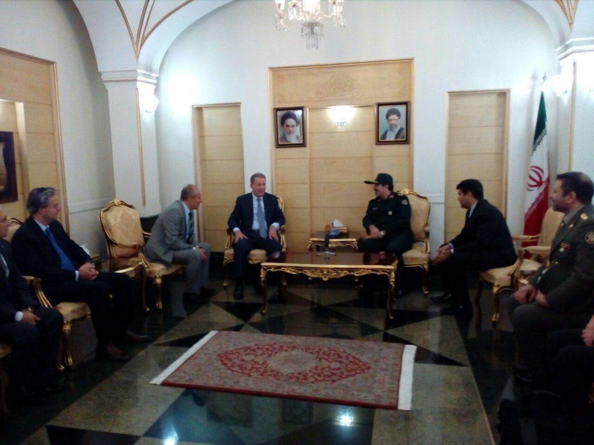 Hulusi Akar İran Genelkurmay Başkanı ile görüştü