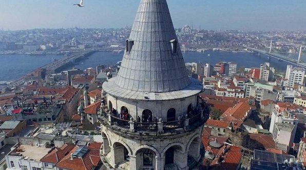 Galata Kulesi'nde tarihi uçuş: Hezarfen gibi Üsküdar'a uçacak