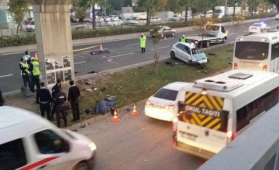 Polis aracı beton bariyere çarptı: 2 polis hayatını kaybetti