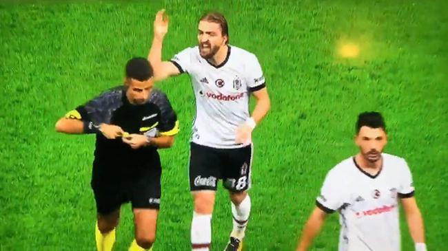 Caner Erkin'e 6 maç ceza geldi
