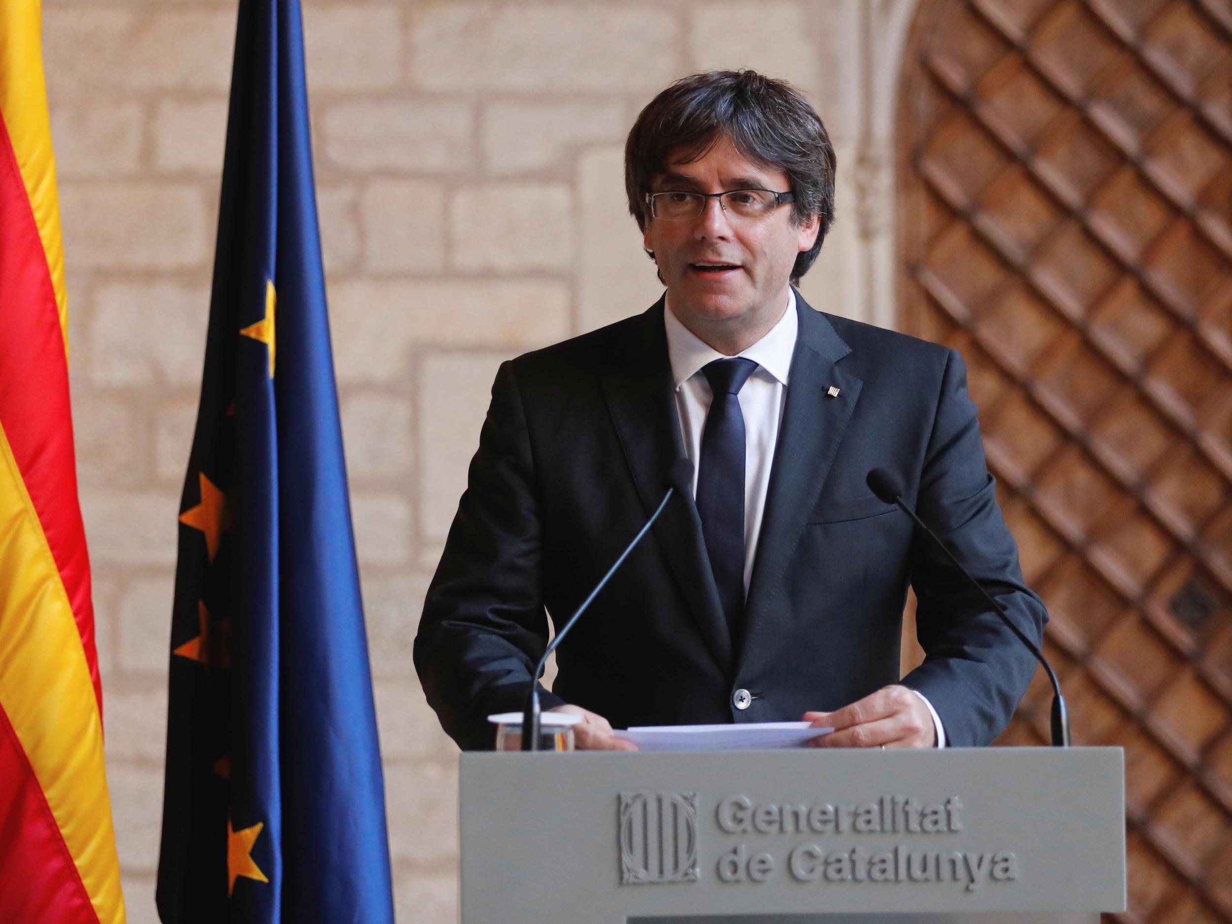 Katalonya Özerk Yönetimi lideri Carles Puigdemont Belçika'ya gitti
