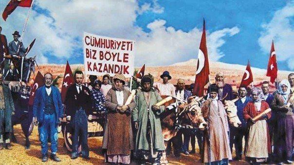 Komünistlerden 29 Ekim açıklaması: Emekçilerin, laik ve bağımsız Cumhuriyet'i için görev başına!