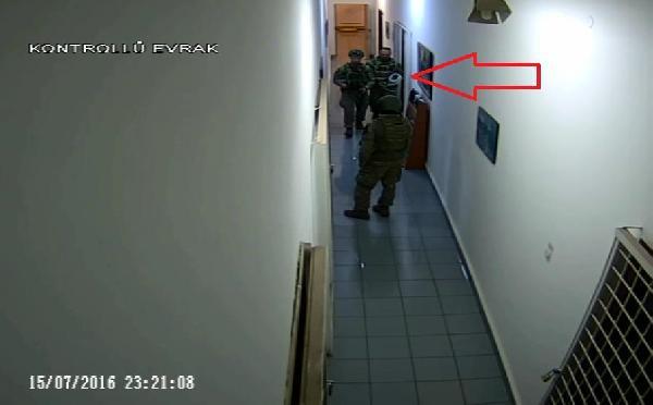 VİDEO | Hulusi Akar ve Yaşar Güler'in tutulduğu koridorun görüntüleri ortaya çıktı
