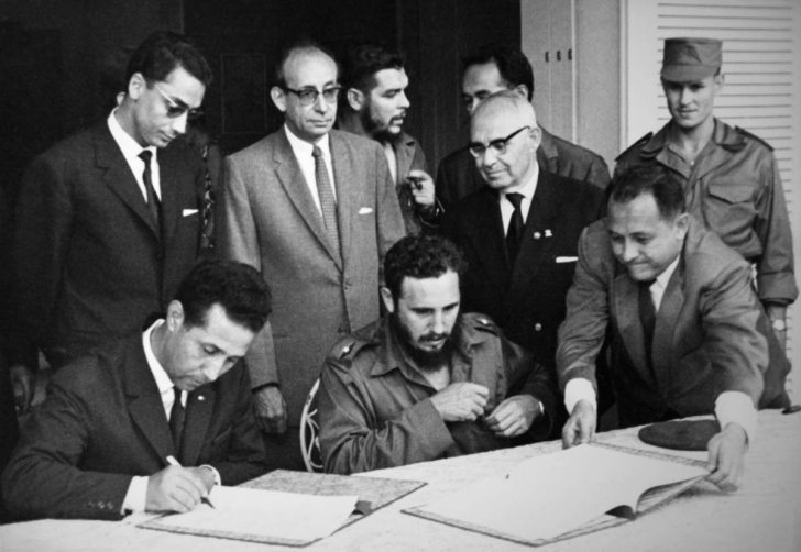 Hafiza-i Beşer | 25 Ekim 1960: Küba, ülkedeki tüm ABD şirketlerini devletleştirdi