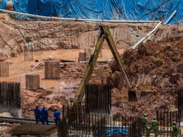 Malezya'da toprak kayması: 4 işçi öldü