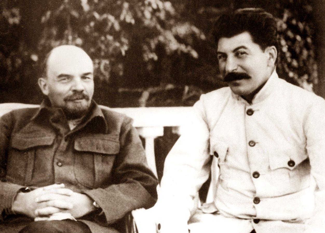 ÇEVİRİ | Rus Devrimi ulusal kurtuluş mücadelelerine nasıl ilham ve yardımcı oldu?