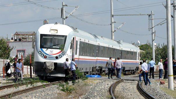 81 yaşındaki adam tren raylarına yatarak hayatına son verdi