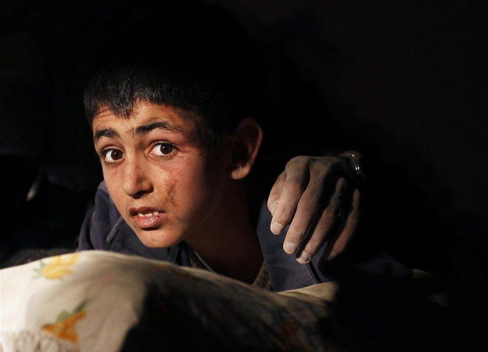 Hafıza-i Beşer | Van'da deprem: 644 kişi hayatını kaybetti