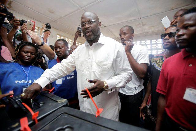 Efsanevi futbolcu George Weah Liberya Cumhurbaşkanı seçildi