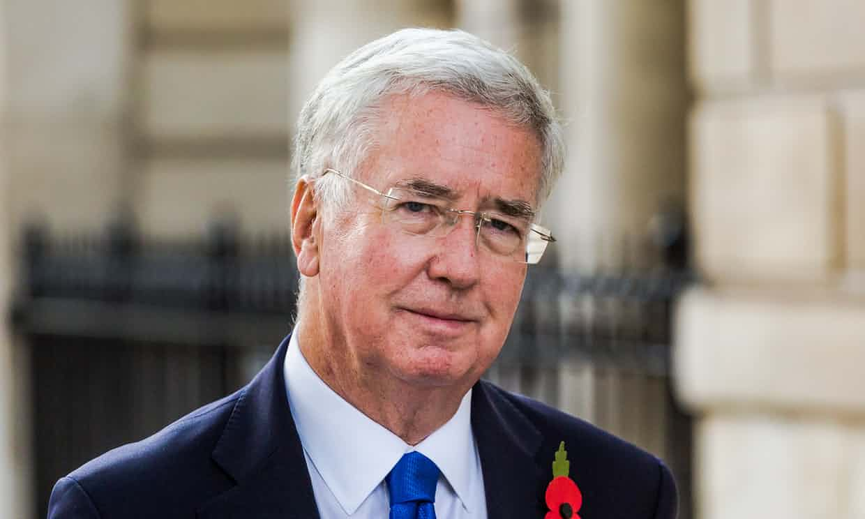 İngiltere Savunma Bakanı Michael Fallon, hakkında çıkan taciz iddiaları sonucunda istifa etti