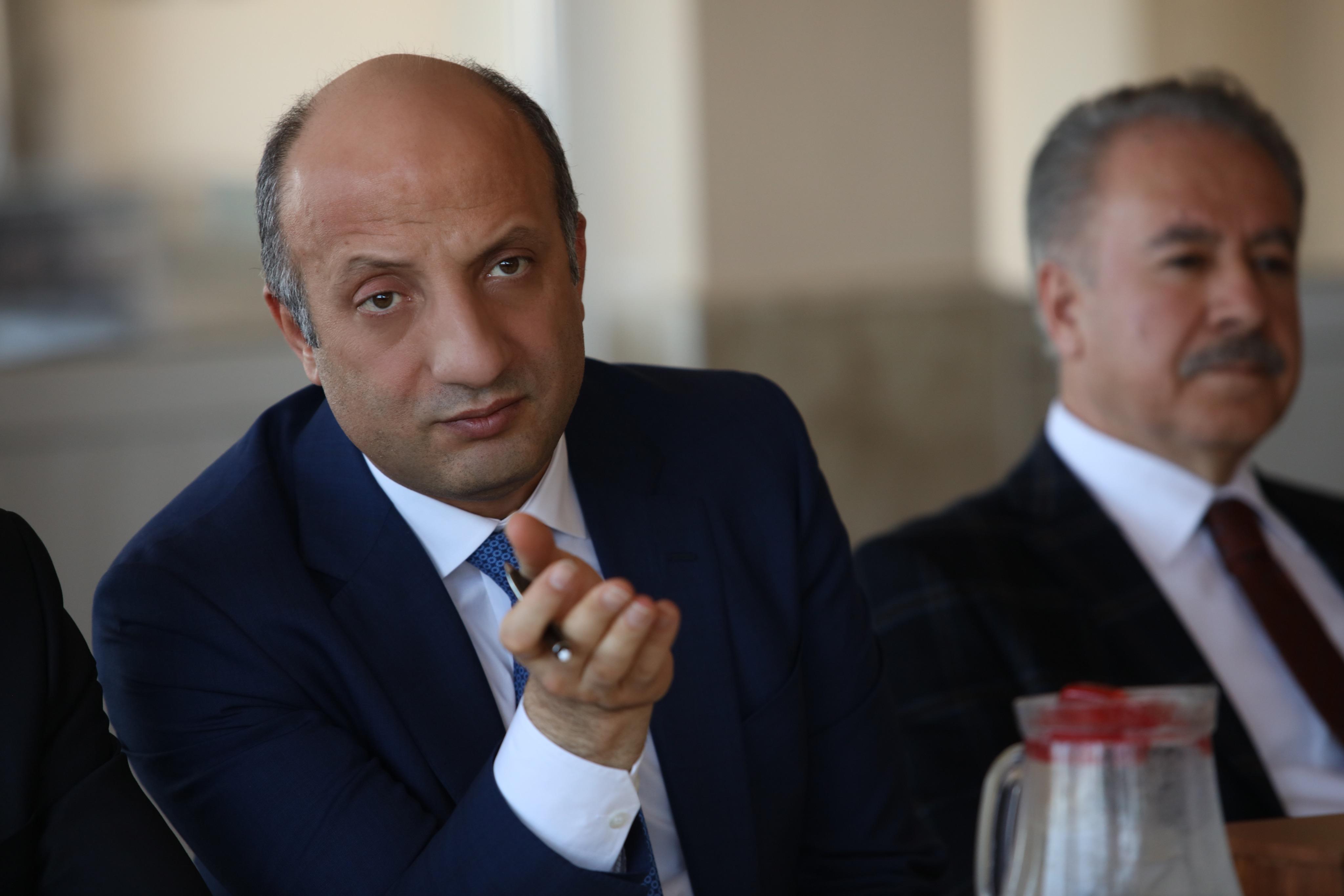 AKP'li 5 belediye başkanı daha koltuğunu bırakacak