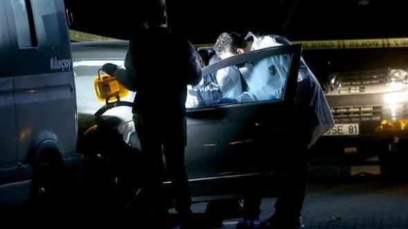 Avcılar'da otomobilde elleri bağlı, boğazı kesilmiş erkek cesedi bulundu