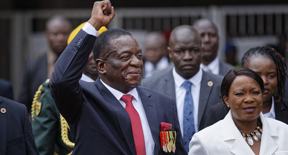 Zimbabve'nin yeni Devlet Başkanı Mnangagwa yemin etti