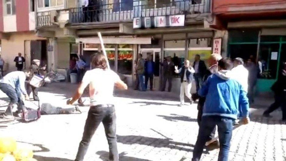 VİDEO | Ağrı'da taşlı sopalı aşiret kavgası