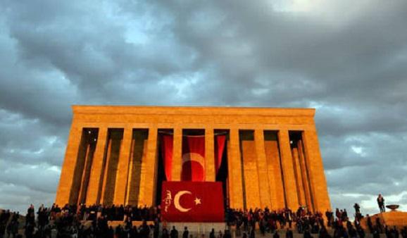 Atatürkçülük tartışmaları üzerine: İkinci Cumhuriyet'in mutabakat arayışı mı?