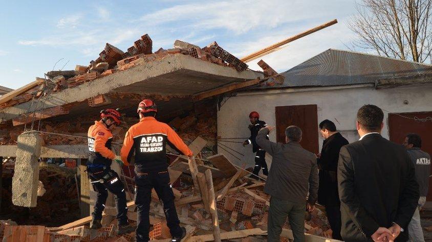 Cami lojmanı inşaatında göçük: Ölü ve yaralılar var