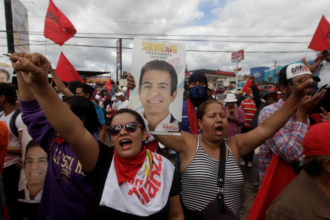 Honduras'ta devlet başkanı seçimine hile karıştırıldığı iddiaları ülkeyi karıştırdı
