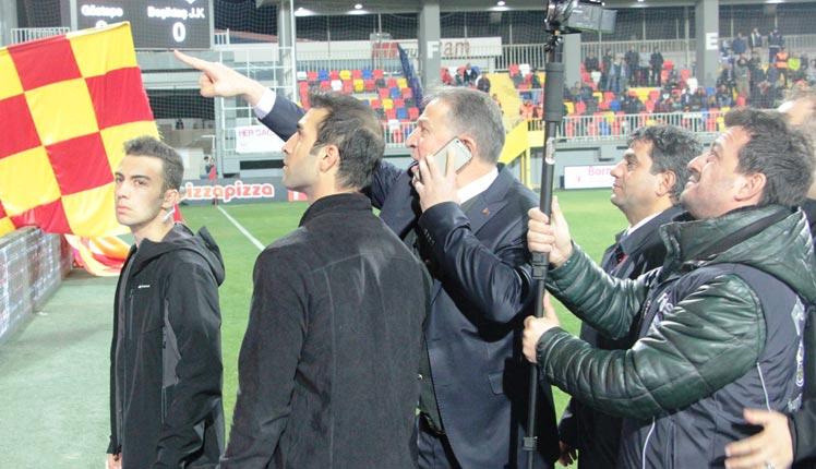 Göztepe-Beşiktaş maçında taraftarlara gözaltı