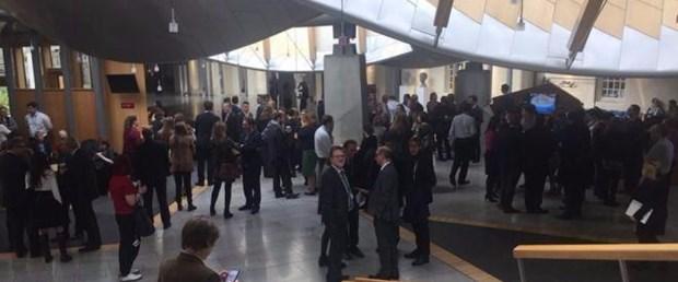 İskoç Parlamentosu'nda şüpheli paket alarmı