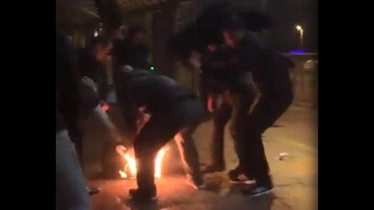 Metrobüs Durağı'nda bir kişi yakılmaya çalışıldı