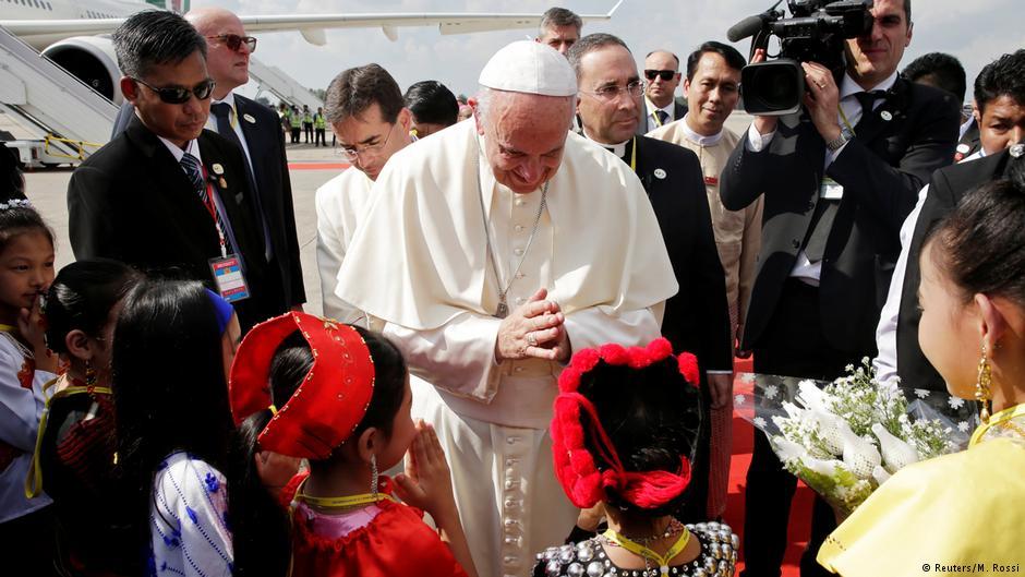 Papa'dan Myanmar ziyareti