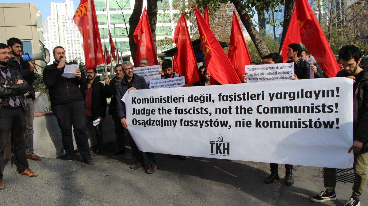 TKH'lilerden Polonya Komünist Partisi'yle dayanışma eylemi: Komünizm suç haline getirilemez!