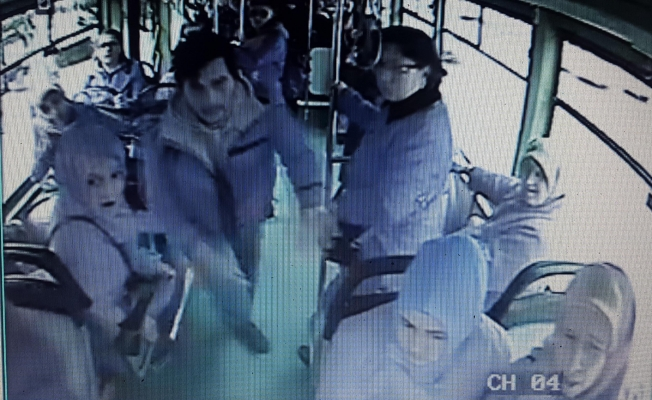 Bursa'da iki kişi otobüs şöförünü dövdü