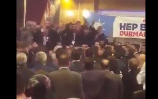 VİDEO | AKP kongresi karıştı: Adaylara 'FETÖ' protestosu