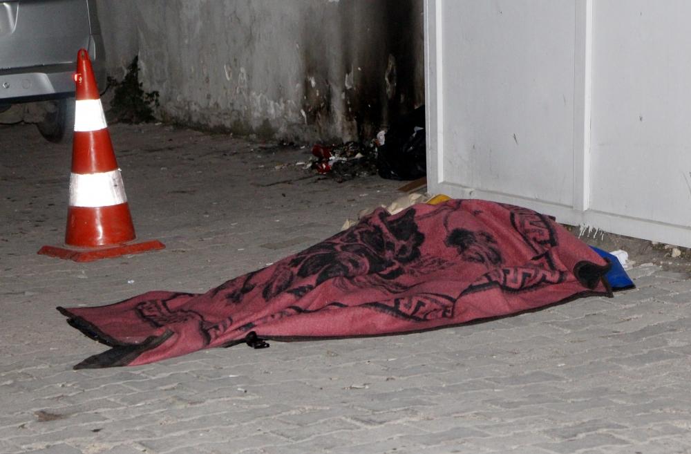 Taburcu edilen hasta kısa süre sonra öldü, cansız bedeni saatlerce sokak ortasında kaldı!