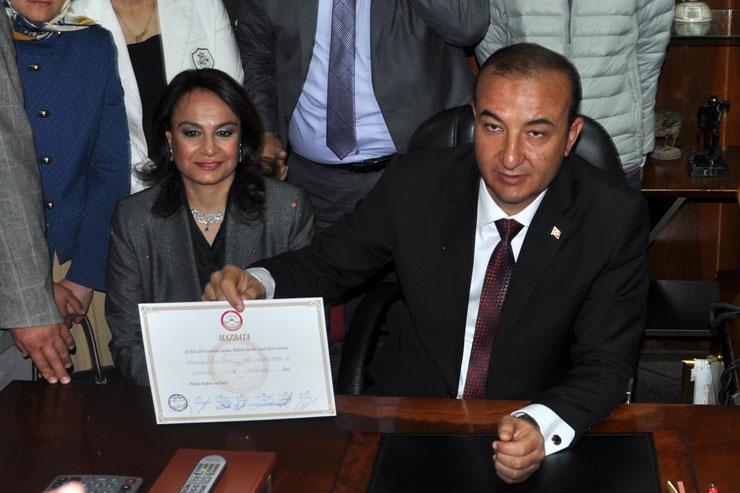 Eski AKP'li başkan 'FETÖ'den gözaltına alındı
