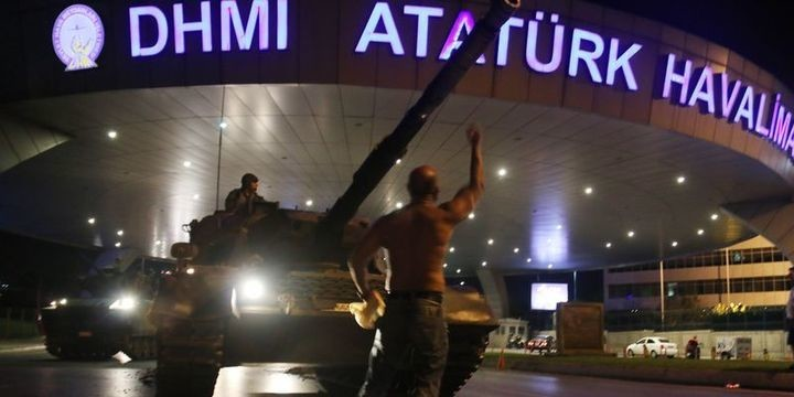 Erdoğan'ın darbe gecesi havaalanı kontrol şefine telefonla söyledikleri ortaya çıktı