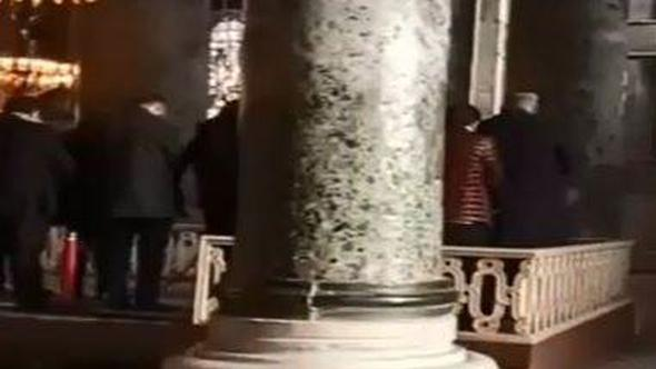 VİDEO | Ayasofya'da namaz kılan gericilere müdahale edilmedi
