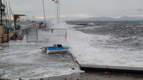 Marmara Denizi'nde ulaşıma engel