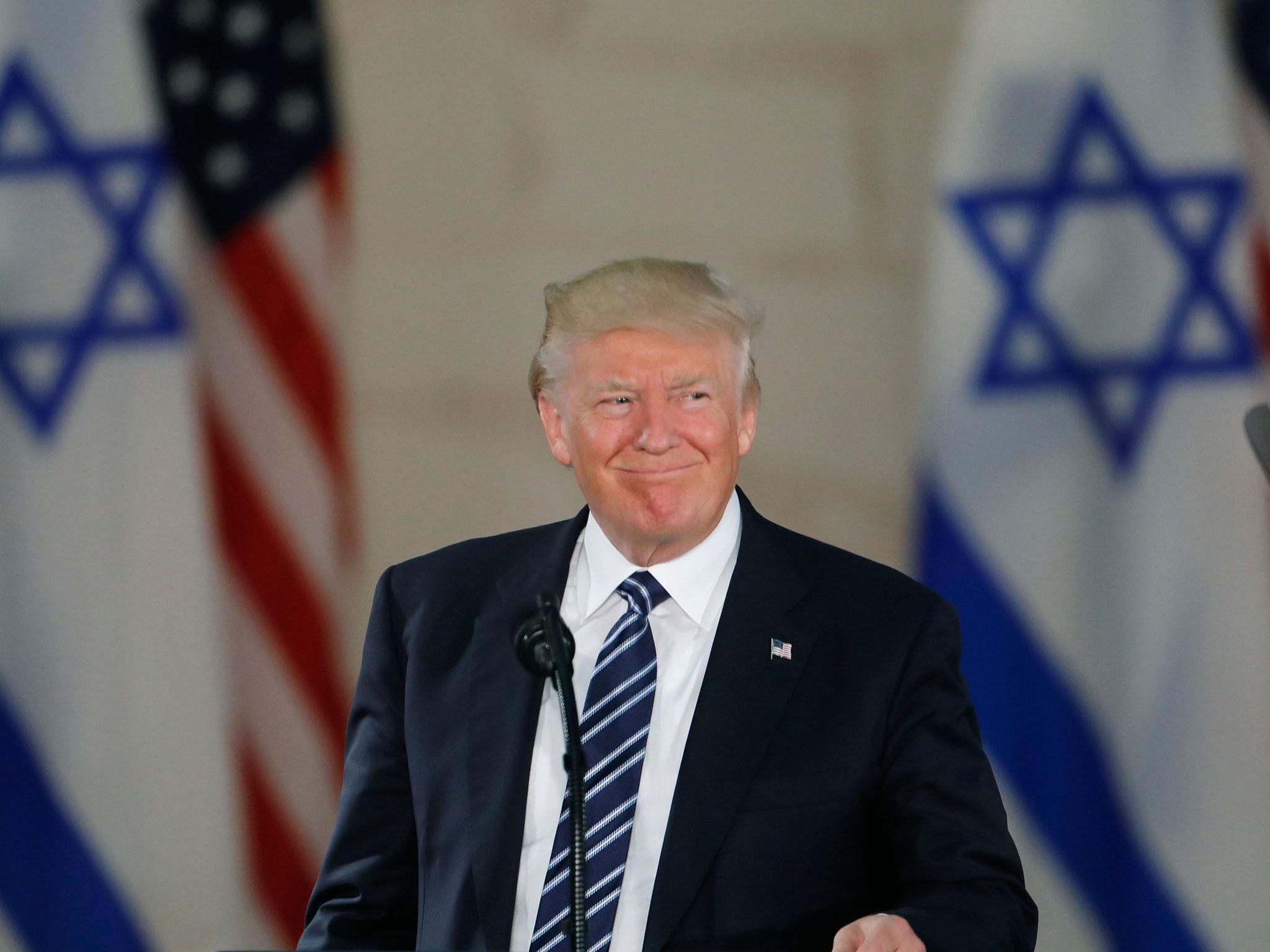 Trump'ın adı Ağlama Duvarı yakınındaki tren istasyonuna verilecek