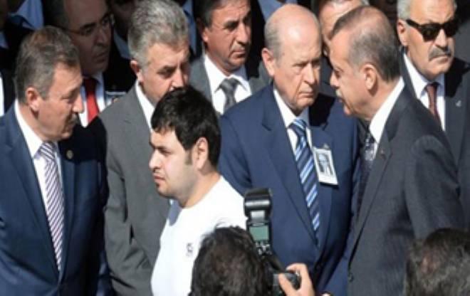 Erdoğan ve Bahçeli'nin korumaları birbirine girdi