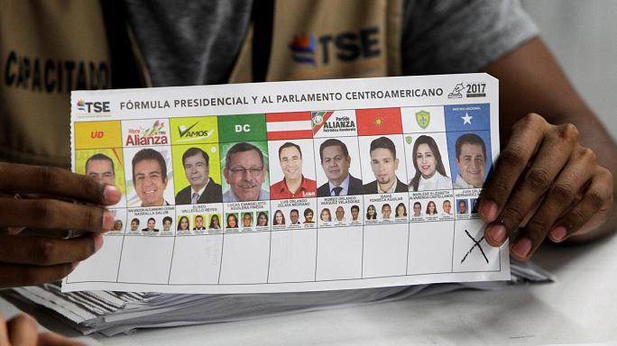 Honduras'ta muhalifler oyların tekrar sayılmasını istedi