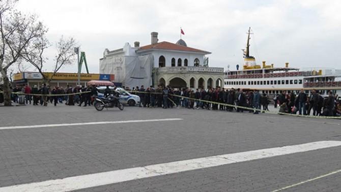 Kadıköy'de sahipsiz valiz ve çuval alarmı