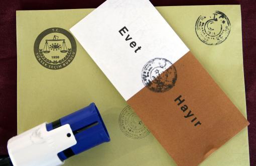 AKP yüzde 10'luk seçim barajını değiştirmeyi düşünmüyor