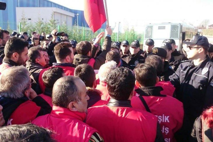 Ankara'ya yürümek isteyen metal işçilerine polis saldırısı