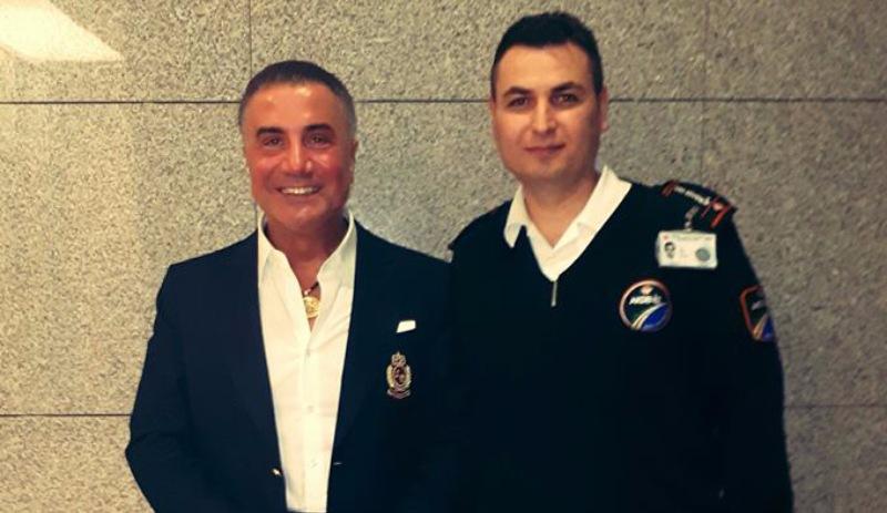 Adliyeye gazeteciyi sokmayan güvenlikçi, Sedat Peker'le aynı fotoğrafta