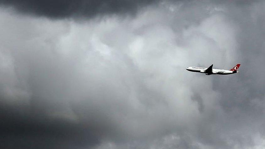 İstanbul'da uçaklar iniş yapamadı