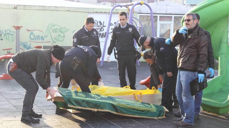 Çocuk parkında dehşet: Oyun gruplarına asılı ceset bulundu