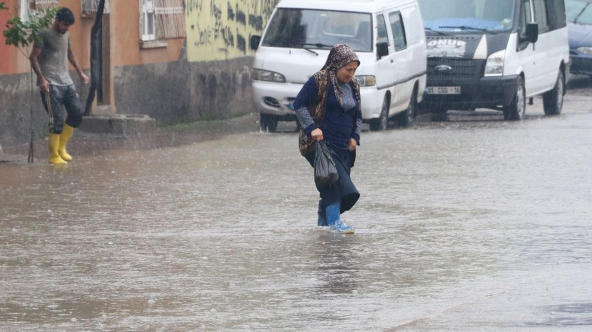 Adana'da sel uyarısı!