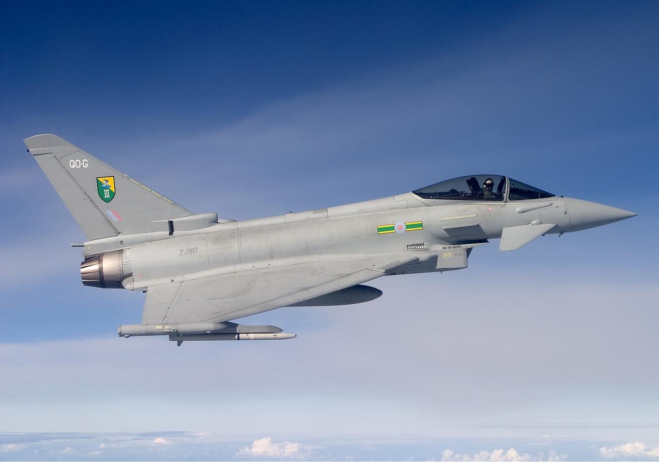 Rus uçağı Kraliyet Hava Kuvvetlerini alarma geçirdi