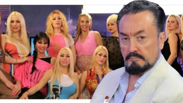 Avrupa'da kaybolan kızlarını Adnan Oktar'ın programında buldu