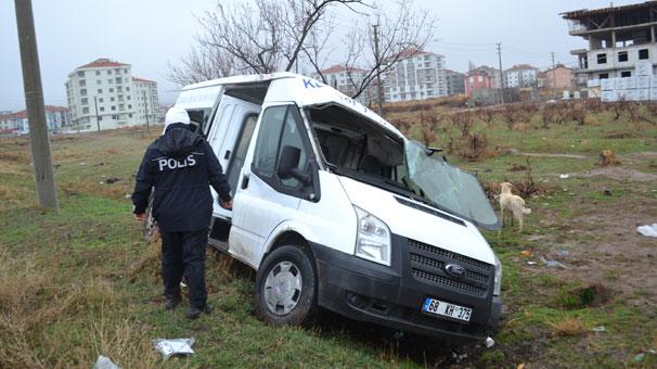 Aksaray'da işçi servisi ile otomobil çarpıştı: 7 yaralı var