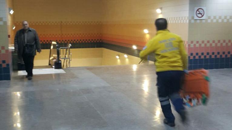 Ankara metrosunda bir kadın raylara düştü!