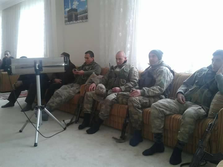 Askerler üniformalarıyla Nur Cemaati'nin sohbetine katıldı!